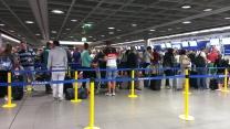Ryanair bag drop line at 5am